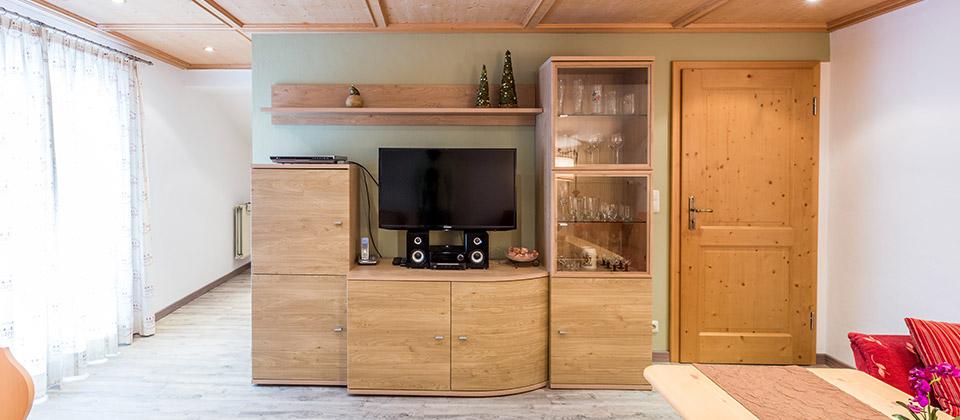 ferienwohnung blumenwiese g stehaus isartal in kr n. Black Bedroom Furniture Sets. Home Design Ideas